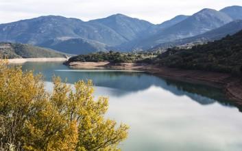 Η ξεχωριστή ομορφιά της λίμνης του Λάδωνα