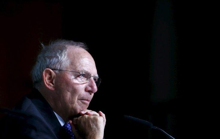Σόιμπλε: Υποστηρίζει Βέμπερ, αλλά και Βεστάγκερ-Τίμερμανς