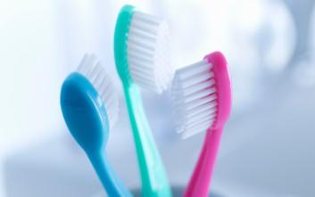 Τι κινδύνους κρύβει η οδοντόβουρτσα