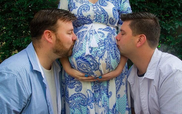 Η γυναίκα που γέννησε το παιδί του αδελφού της