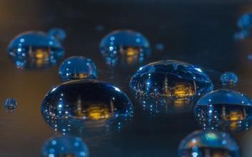 Συρρικνώνοντας τον κόσμο σε μια σταγόνα νερό