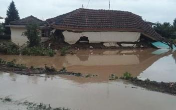 Τεράστιες καταστροφές και κάτοικοι σε απόγνωση στα Τρίκαλα