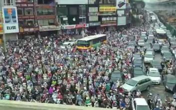 Σχεδιάζεται απαγόρευση δικύκλων στο Ανόι από το 2025