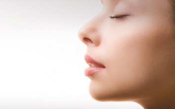 Τι σχέση έχει η ηλικία μας με την μυρωδιά του σώματος