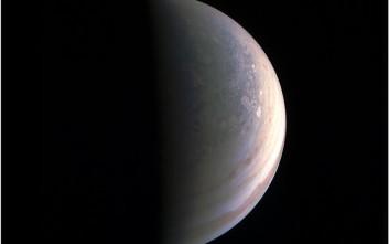 Αποδείξεις για πίδακες υδρατμών «είδε» σε δορυφόρο του Δία η NASA