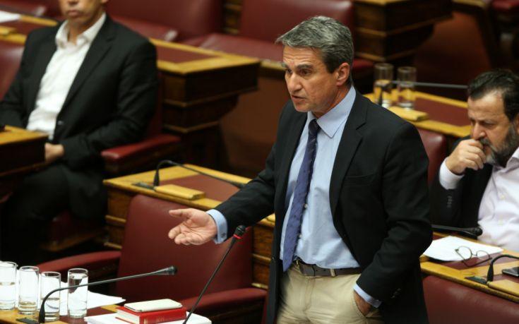 Ξέκοψε κάθε συζήτηση για ψήφιση των μέτρων ο Λοβέρδος