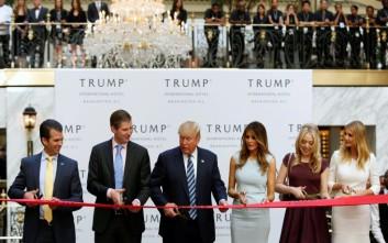 Το νέο του ξενοδοχείο στην Ουάσιγκτον εγκαινίασε ο Τραμπ