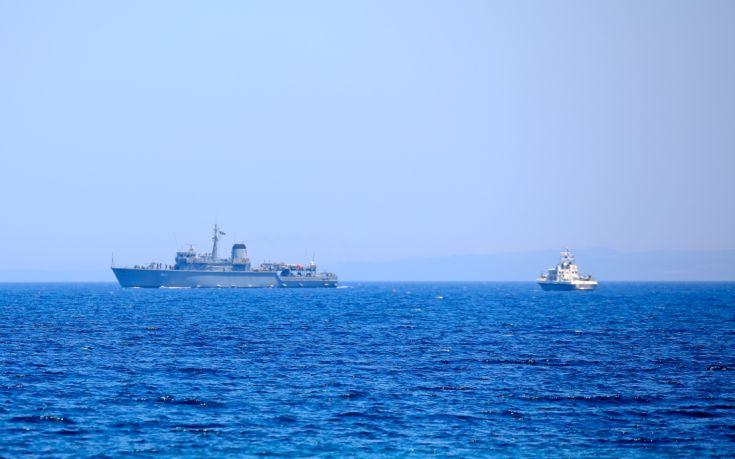 Εντοπίστηκε πλοίο με πρόσφυγες στην Κάρπαθο