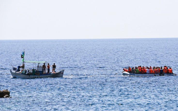 Πρόσφυγες και μετανάστες πέρασαν στο Καστελόριζο από τις τουρκικές ακτές
