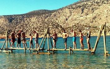 Πλήρωσαν για να ναυαγήσουν σε ελληνικό νησί