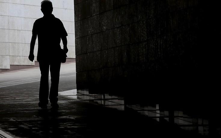 Μυστήριο με γυμνό άνδρα που φέρεται να κυνήγησε την 13χρονη που εξαφανίστηκε από την Πετρούπολη