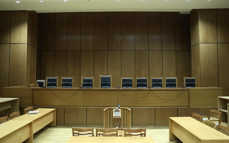 Δικαστές για ΔΟΛ: Τα αίτια της οικονομικής κρίσης οφείλουμε να τα αναζητήσουμε πιο βαθιά