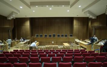 Με τροπολογία αυξάνονται κατά 30 οι θέσεις των δικαστικών λειτουργών