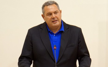 Δεν αίρεται η ασυλία Καμμένου για το tweet κατά του Θεοδωράκη