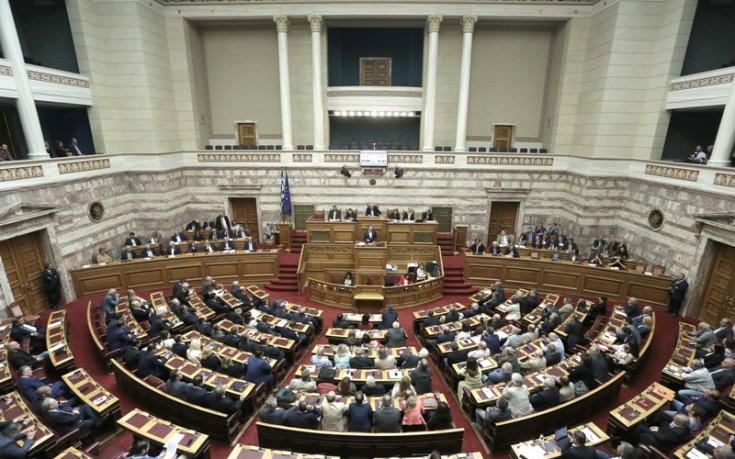Η Βουλή «υιοθέτησε» τα παιδιά του πιλότου του μοιραίου Mirage 2000