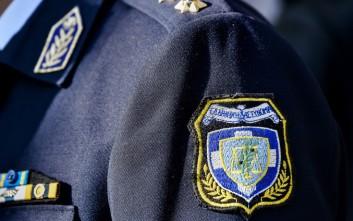 Ποινή φυλάκισης σε αστυνομικό που έγδυσε, έδεσε και χτύπησε άνδρα που φλέρταρε τη σύντροφό του