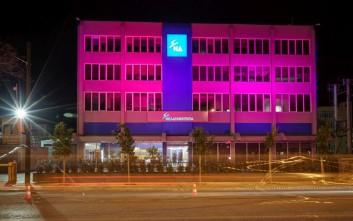 Τα γραφεία της ΝΔ «βάφτηκαν» ροζ για την Ημέρα κατά του Καρκίνου του Μαστού