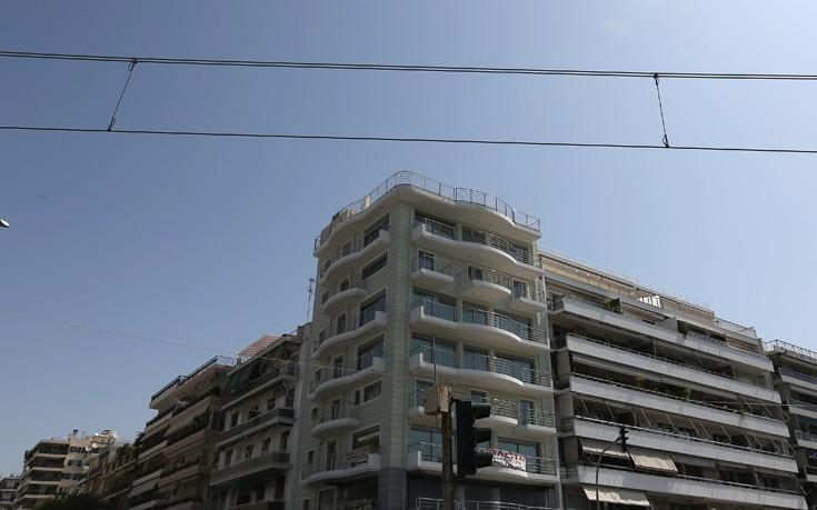 Ένα εκατομμύριο Έλληνες φορολογούμενοι ζουν με φιλοξενούμενο στο σπίτι τους