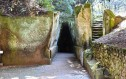 Έντεκα μέρη που θεωρήθηκαν πύλες προς την κόλαση