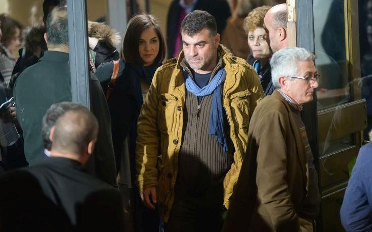 Ο Βαξεβάνης ζητά τη σύλληψη της συζύγου του Γιάννη Στουρνάρα