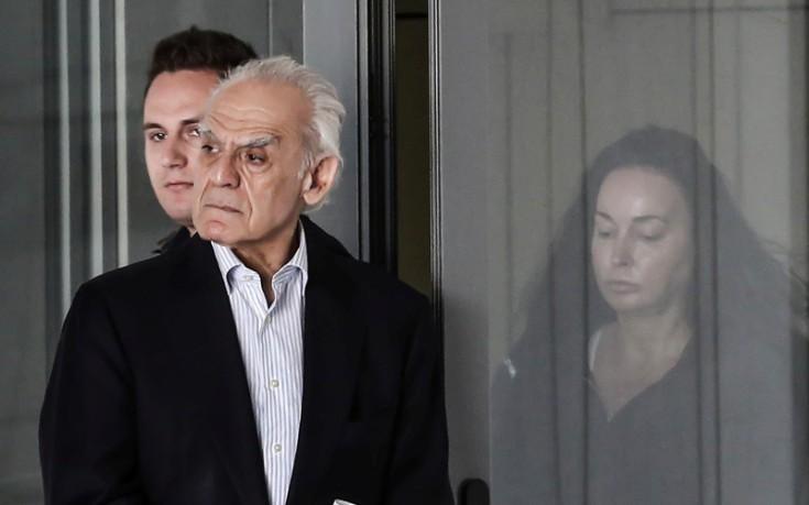 Αποτέλεσμα εικόνας για αποφυλακιση τσοχατζοπουλος