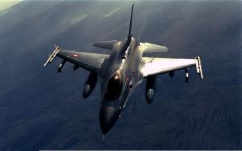 Τουρκικό F-16 πέταξε πάνω από τη Ρω