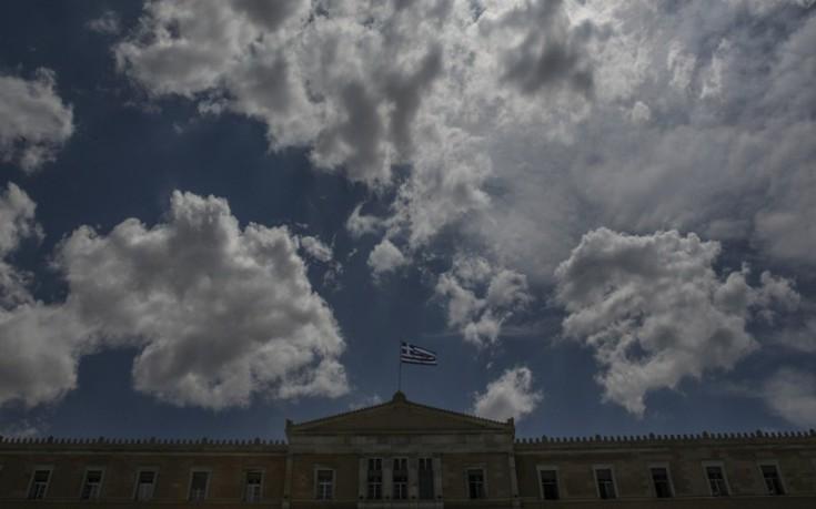 Πυρά δέχεται η κυβέρνηση για τον «διασυρμό» με τις συντάξεις
