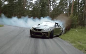 Η BMW που κυκλοφορεί με μηχανή ελικοπτέρου