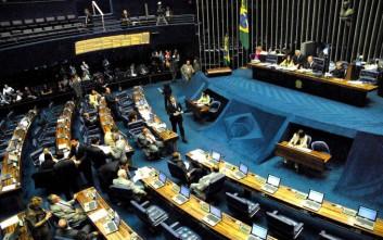 Εγκρίθηκε η μείωση των δαπανών στη Βραζιλία