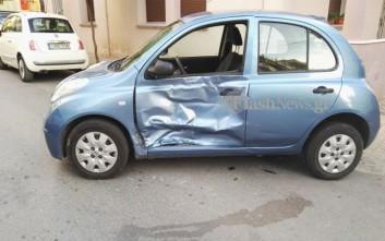 Σύγκρουση αυτοκινήτου με ασθενοφόρο του ΕΚΑΒ
