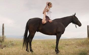 Ταξίδι στην Ισπανία για γιόγκα πάνω σε άλογο