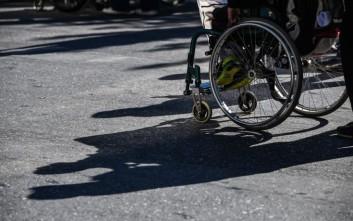 Χάρη στην «Καθημερινότητα» τοποθετήθηκαν κολονάκια στη Μεταμόρφωση για να βελτιώσουν τη ζωή ΑΜΕΑ