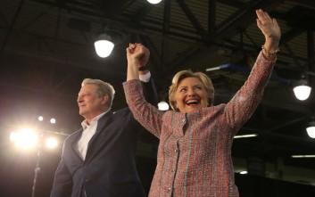 Ο πρώην αντιπρόεδρος του Μπιλ Κλίντον στο πλευρό της Χίλαρι