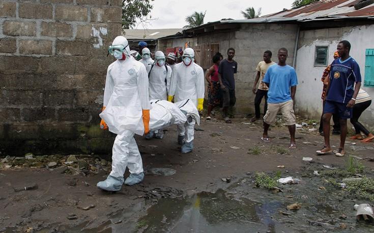 Συναγερμός και στη Ρουάντα για τον Έμπολα: Η νεκρή στο Κονγκό είχε περάσει από εκεί