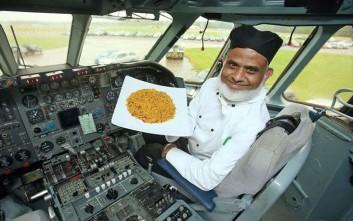 Εκατομμυριούχος πλήρωσε delivery για να του φέρουν ινδικό φαγητό από 260 χιλιόμετρα μακριά