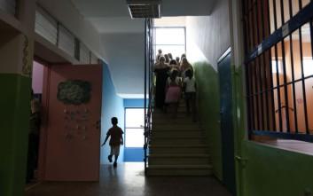 Δημοτικά σχολεία: Τη Δευτέρα οι αποφάσεις - «Ναι» στο άνοιγμα από τον Τσιόδρα