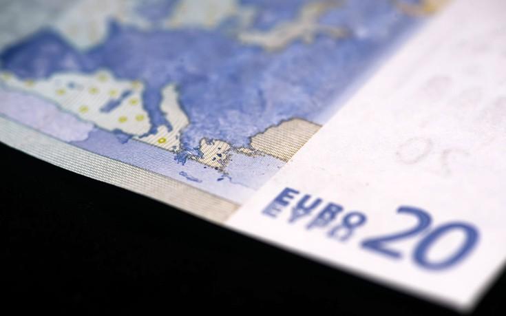 Πέφτει το ευρώ μετά το «όχι» στο ιταλικό δημοψήφισμα