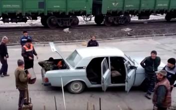 Πόσοι Ρώσοι χωράνε σε ένα αυτοκίνητο;