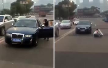 Γυναίκα οδηγός παρασύρεται από το ίδιο της το αυτοκίνητο