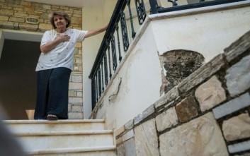 Ξάφρισαν τη μάνα του Τσίπρα στο νεκροταφείο