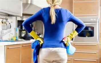 Τρία πράγματα που πρέπει να αποφεύγουμε να καθαρίζουμε με ξίδι