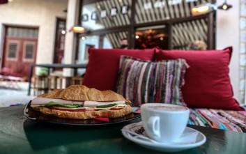 Πού πίνουμε τους πρώτους καφέδες του χειμώνα στην Αράχωβα και τα πέριξ