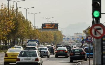 Πόσες ώρες την εβδομάδα περνούν κατά μέσο όρο οι Έλληνες στον δρόμο