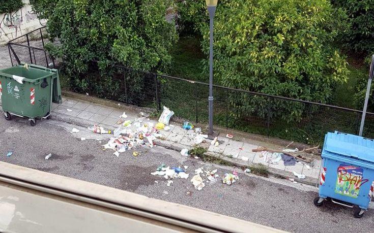 Αγανακτισμένοι οι κάτοικοι του Αγρινίου με τα σκουπίδια