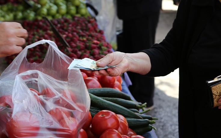 Παράταση για τις άδειες στις λαϊκές αγορές