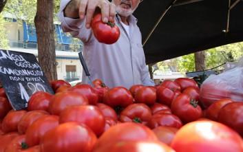 Κορονοϊός: Απαγορεύεται στους πελάτες βιολογικών αγορών να αγγίζουν τα προϊόντα