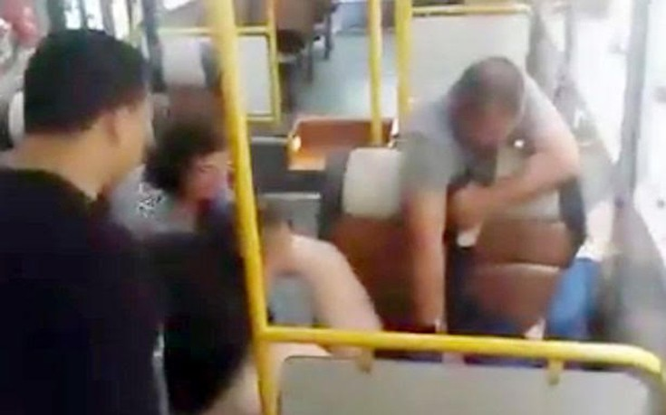 Γυναίκα γέννησε στο λεωφορείο με βοηθό τον οδηγό και δύο αστυνομικούς