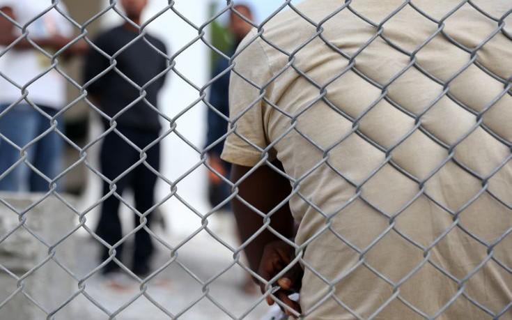 Δικηγορικός Σύλλογος Χίου: Αντισυνταγματικός ο «εγκλωβισμός» προσφύγων στα νησιά