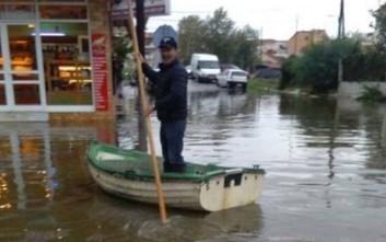 Μέχρι και βάρκες επιστράτευσαν οι κάτοικοι του Μεσολογγίου