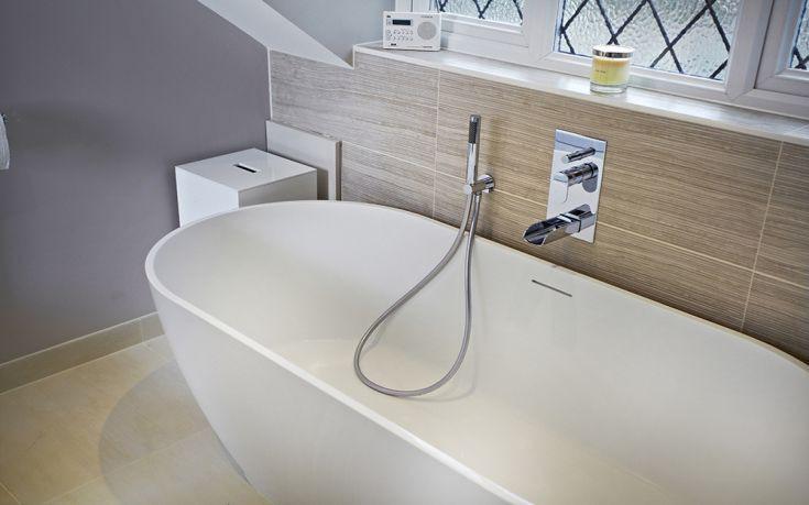 Πώς να κάνετε την μπανιέρα να αστράφτει με υλικά από την κουζίνα